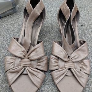 Trotters Beige Leather Open Toe Heels 10.5W EUC